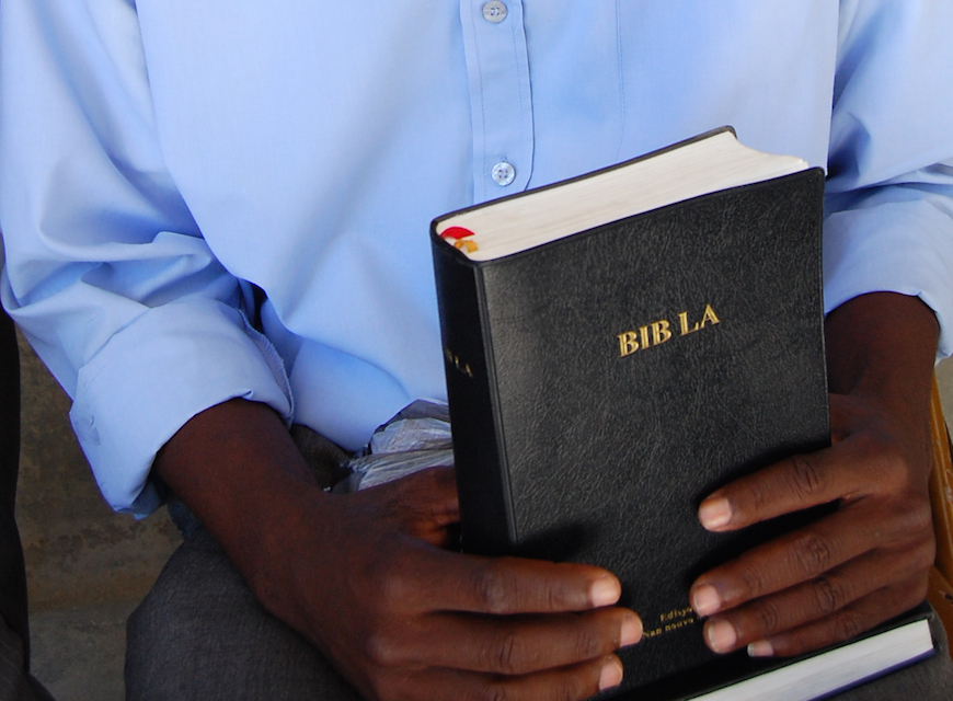 Bibles and friendship for refugees in Austria